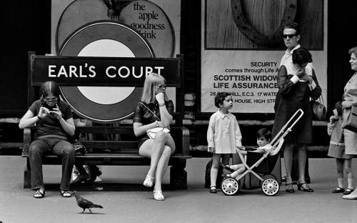 Earl's Court, 1969, London, modern print_© Gian Butturini, courtesy Heillandi Gallery